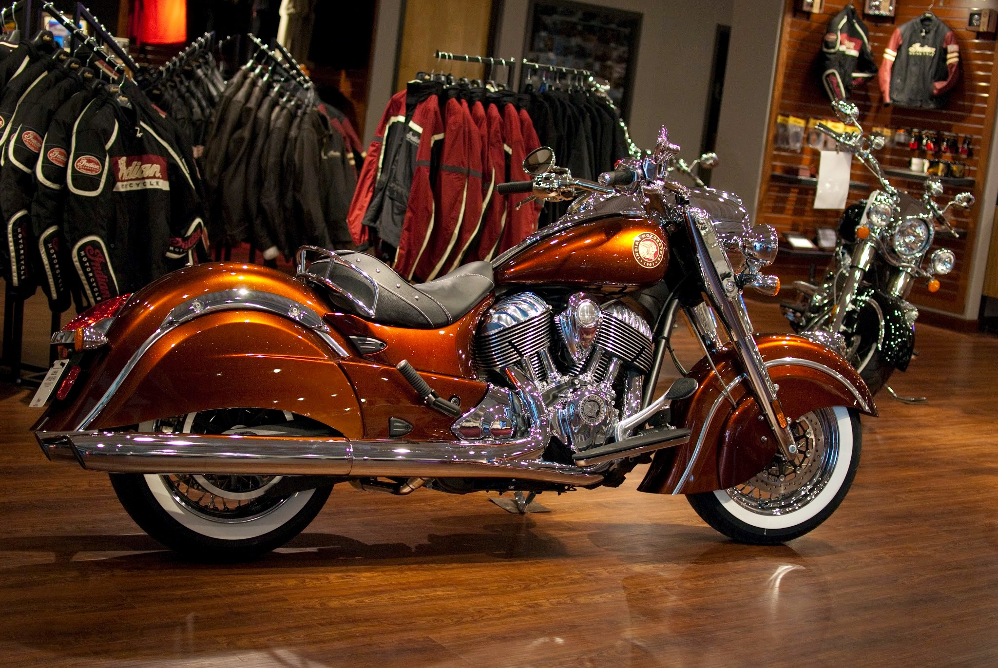 2014 Indian Chief Classic Cocoa Gold Stardust Custom