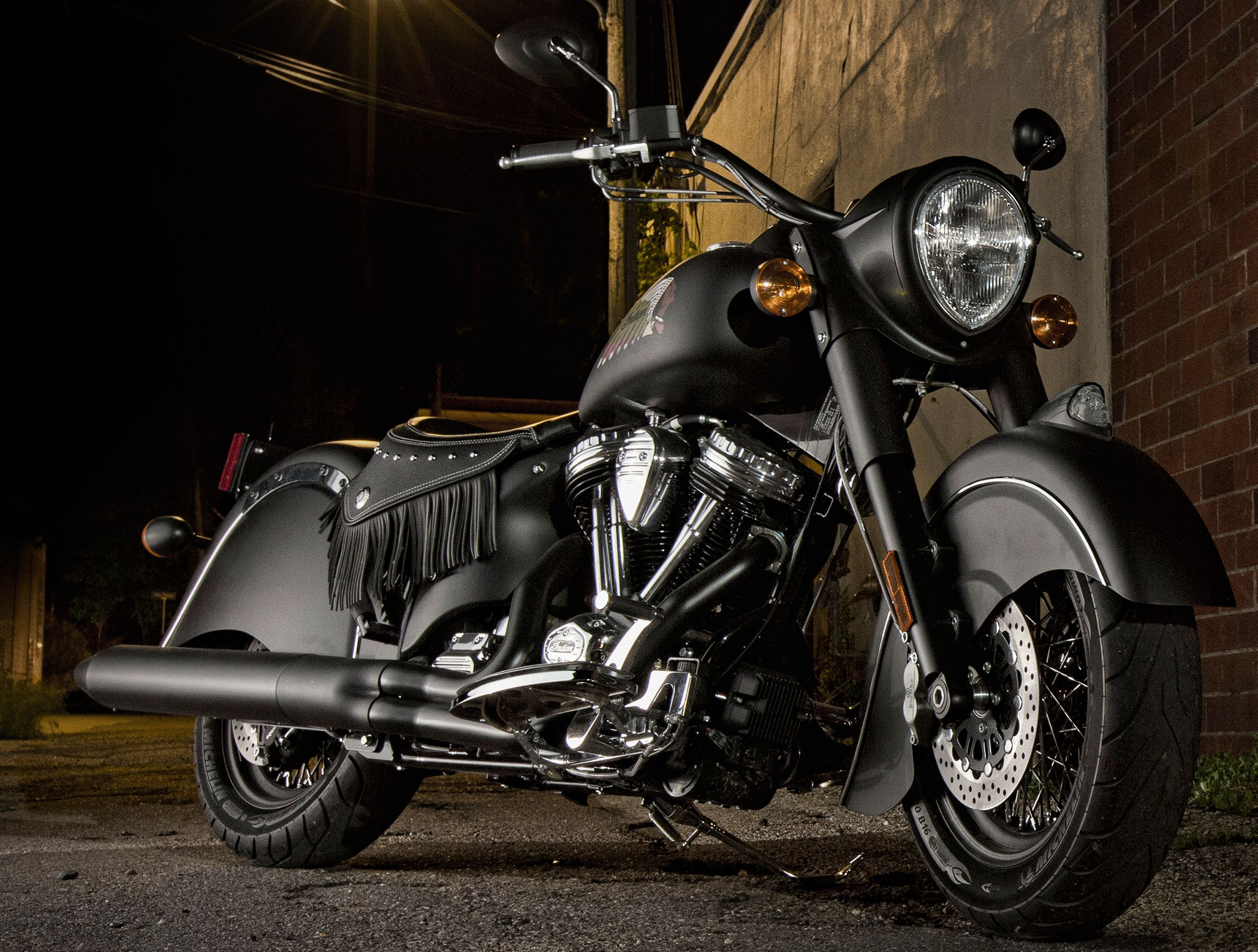 Meet indian motorcycles first model of 2016 indian chief dark - 2016 Indian Chief Dark Horse Makes Appearance In