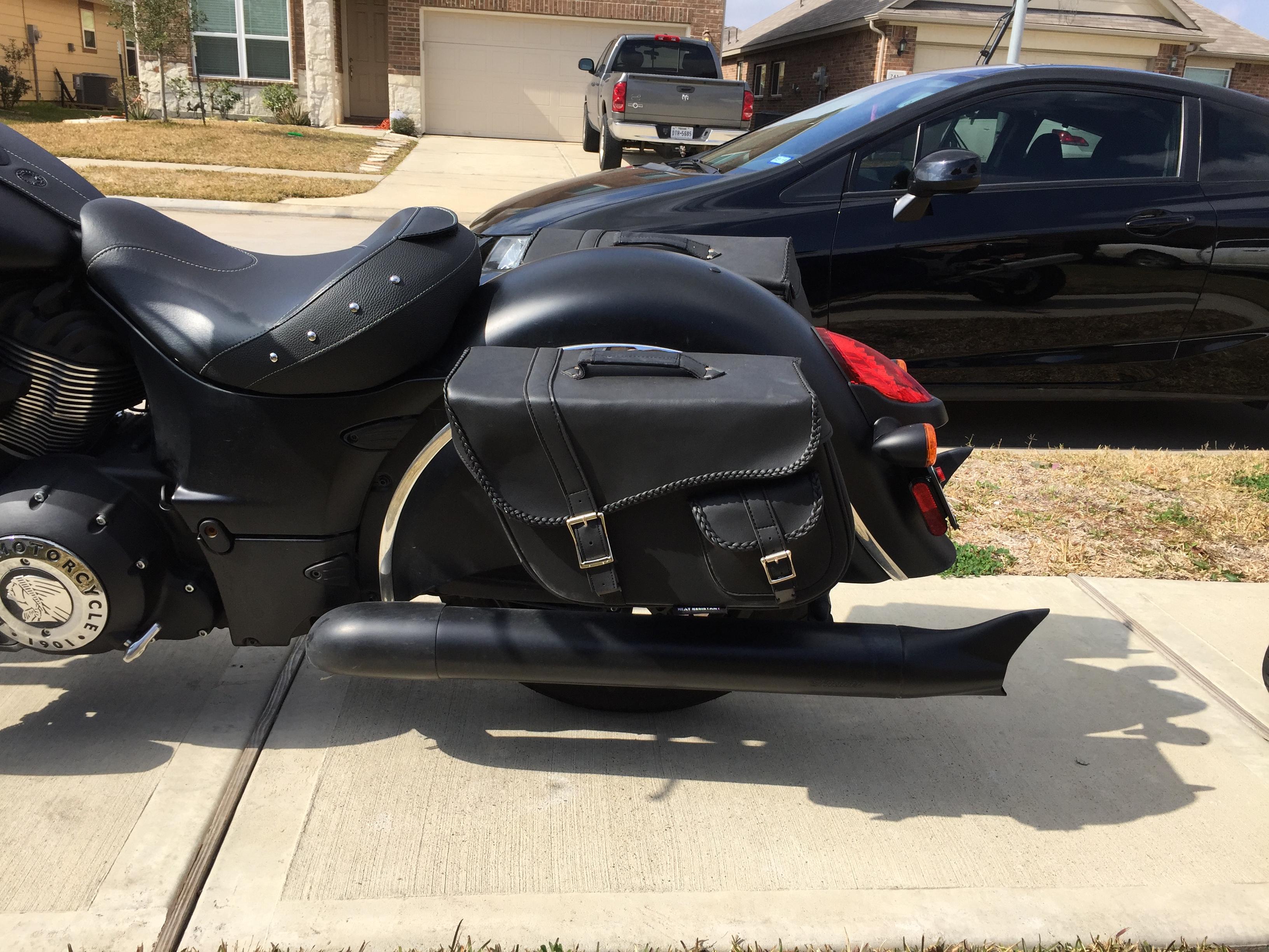 Dark Horse Saddlebags Indian Motorcycle Forum - Dark horse customs car show