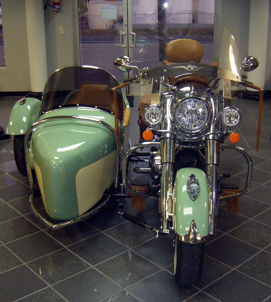 Chief Vintage with Indian Heritage Sidecar (Hannigan