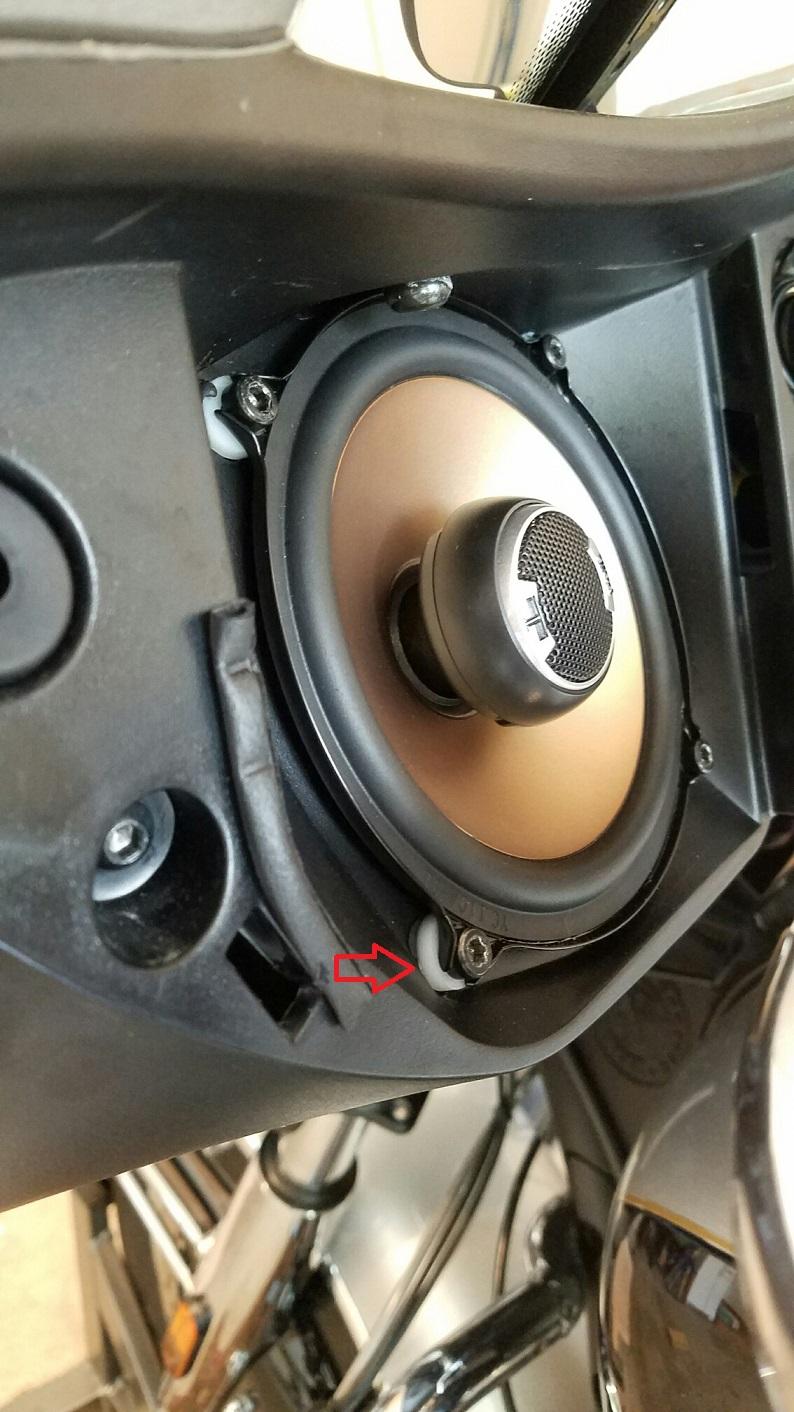 Améliorer la qualité audio de la Roadmaster ? - Page 3 Polk-db-521s-jpg