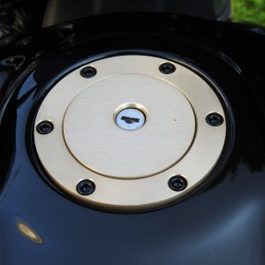 (COO: US) CI-7000G Scout Removable Gas Cap Gold